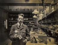Photography of the undergraduate Henry Moseley in the Trinity Laboratory, Oxford