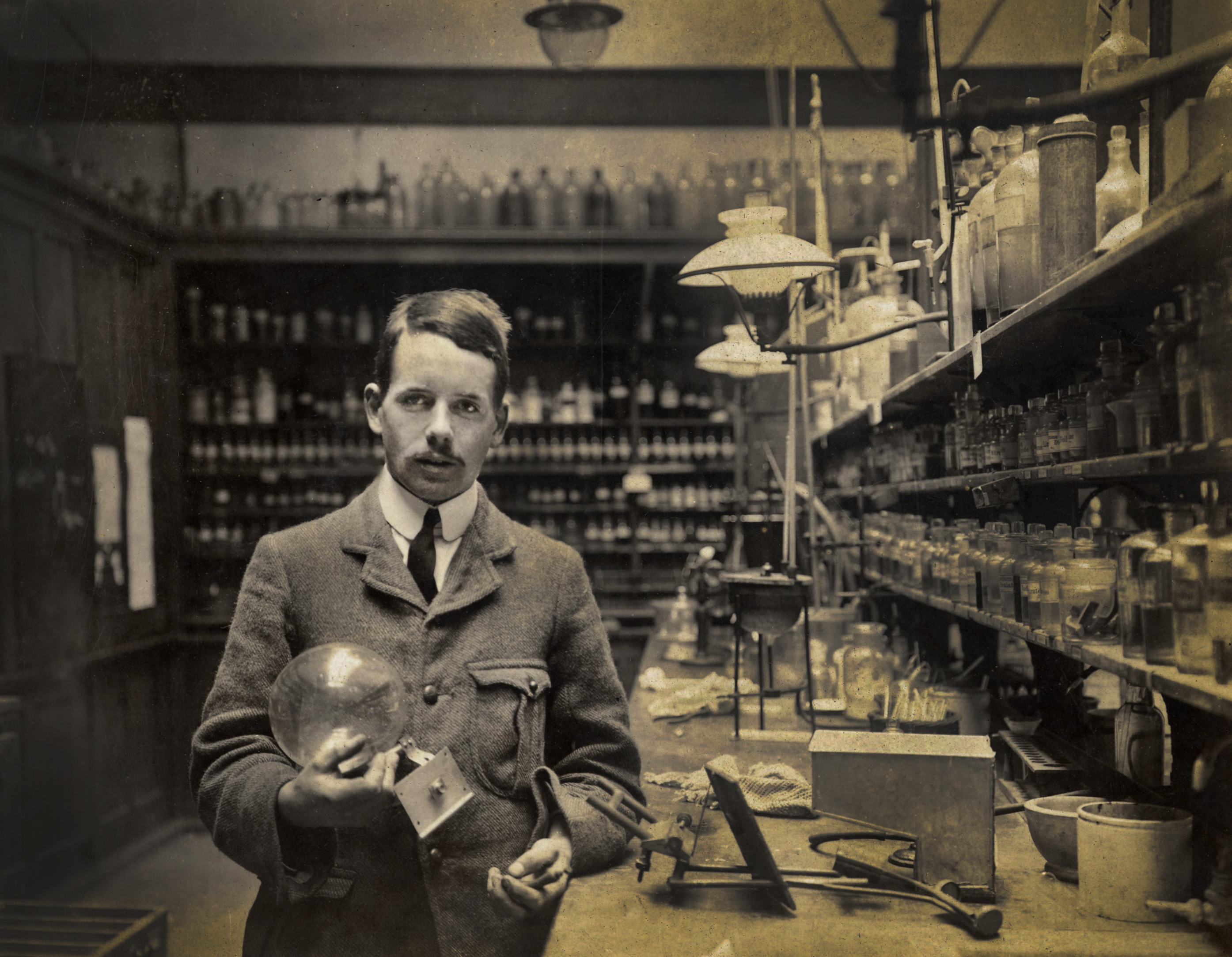 the life of henry moseley Henry moseley was a physicist who made many important contributions to the world of science learn more about his amazing life and discoveries in this article.