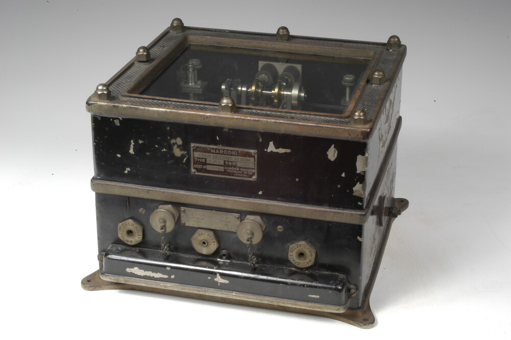preview image for Four-Second Alarm Type KM1, by Marconi Company, London, 20th Century