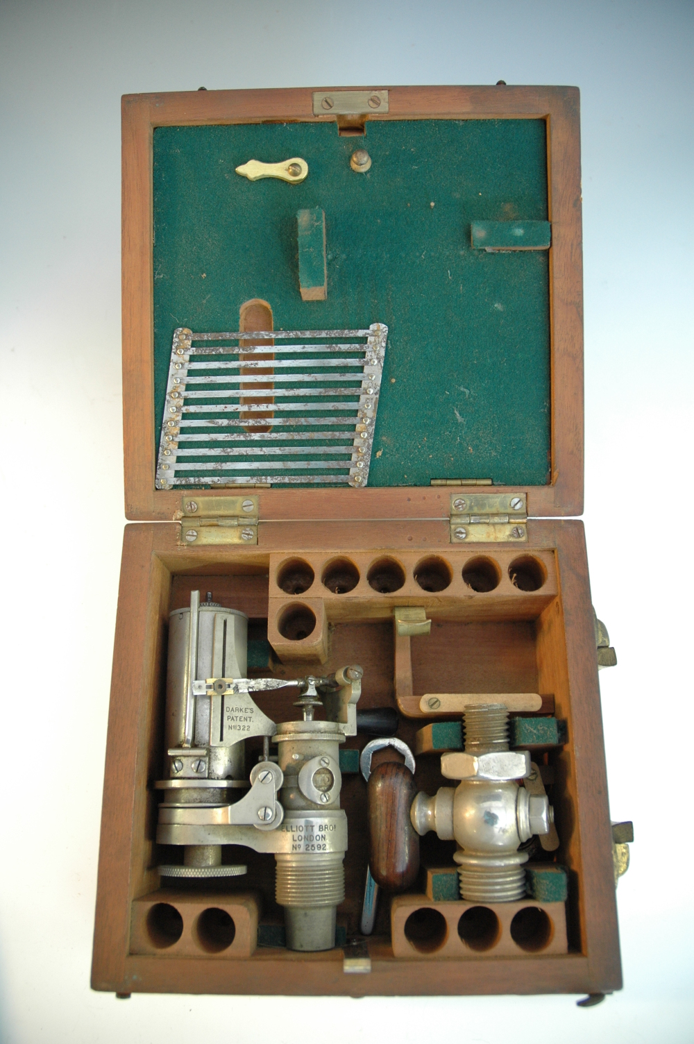 preview image for Darke's Steam Engine Indicator and Box, by Elliott Brothers, London, ?Early 20th Century