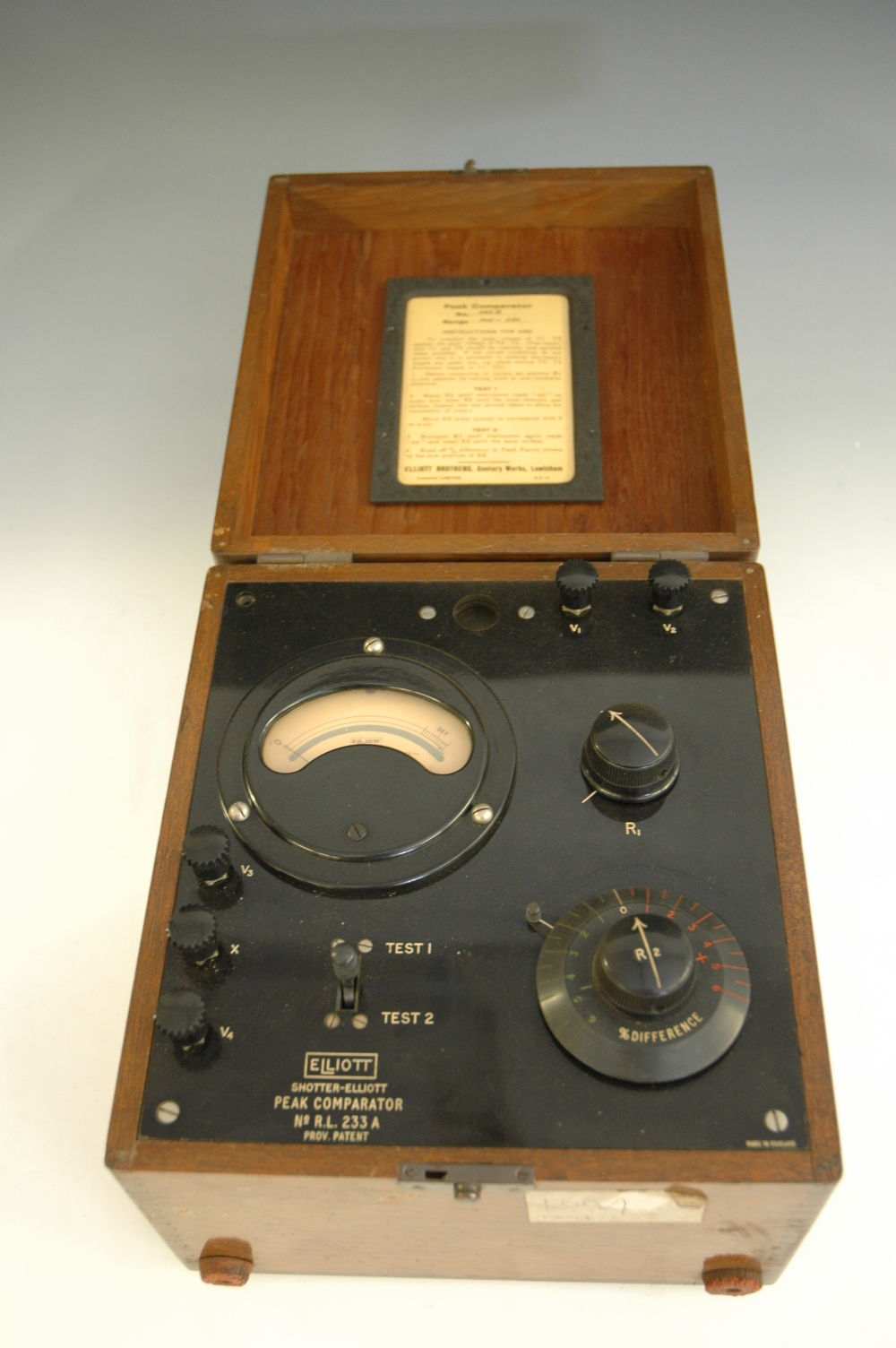 preview image for Shotter-Elliott Peak Comparator, by Elliott Brothers (London) Ltd, Mid 20th Century