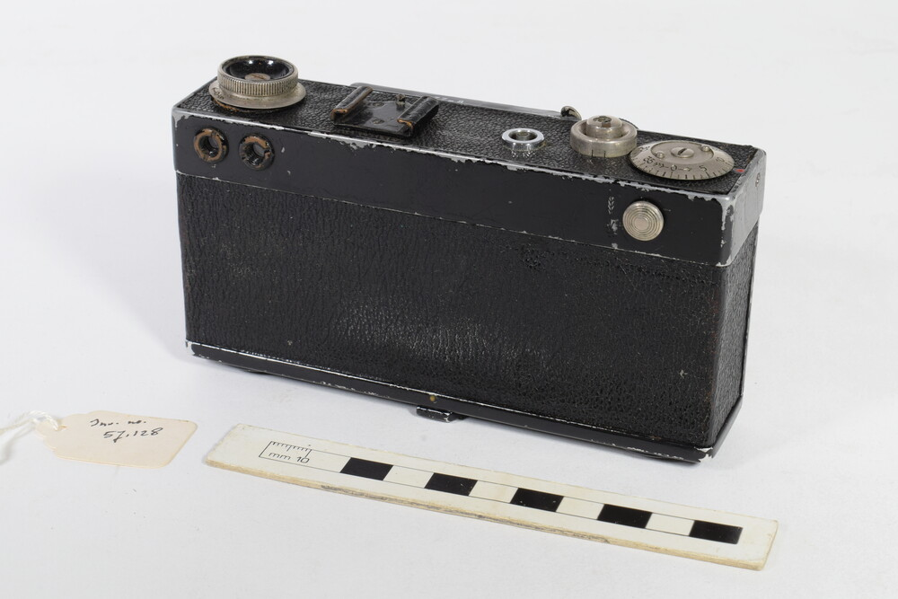 preview image for Zeiss Ikon Contax I(a) Rigid Body 35mm Camera, by Zeiss, Dresden and Jena, c. 1935