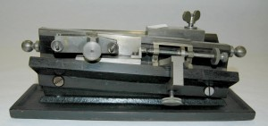 Microtome. Property of the University of Oxford's Department of Physiology, Anatomy and Genetics.