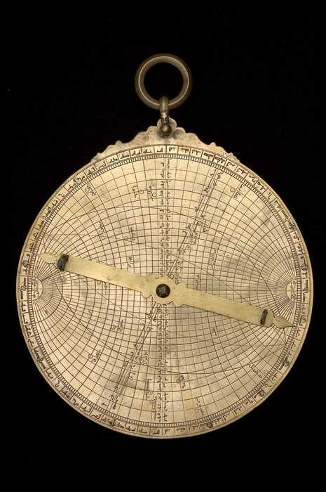 Rear of astrolabe, North African, 13th century?  show universal projection(Inv. 41122)